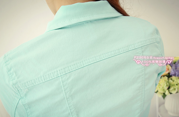 Джинсовая куртка с воротником для женщин  - 8