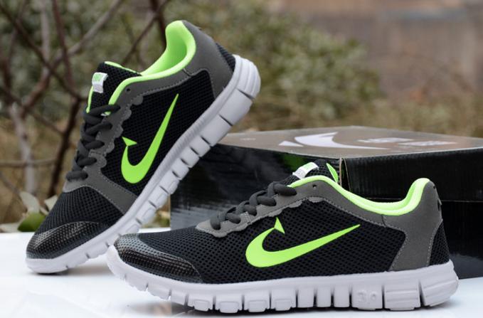 Новые свободные кроссовки для мужчин  - 5