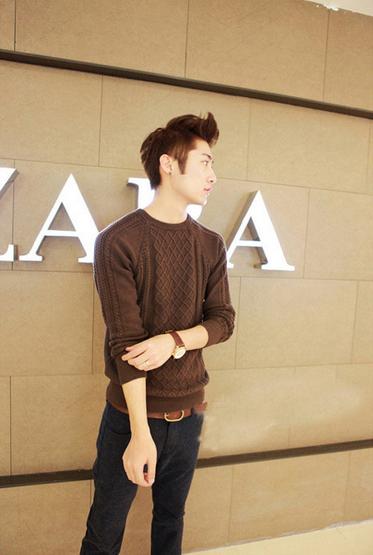 Модный мужской свитер для стильных мужчин  - 4