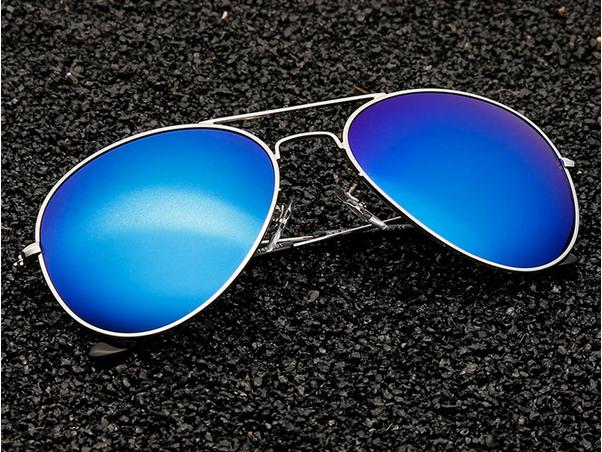 Классические солнцезащитные очки для женщин  - 1