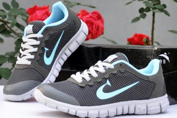 Спортивные дышащие кроссовки для женщин  - 1