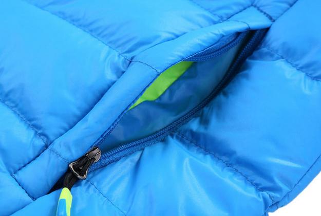 Зимняя куртка на открытом воздухе  - 3