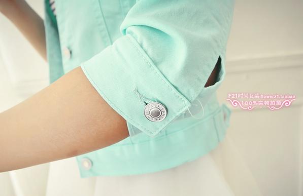Джинсовая куртка с воротником для женщин  - 9