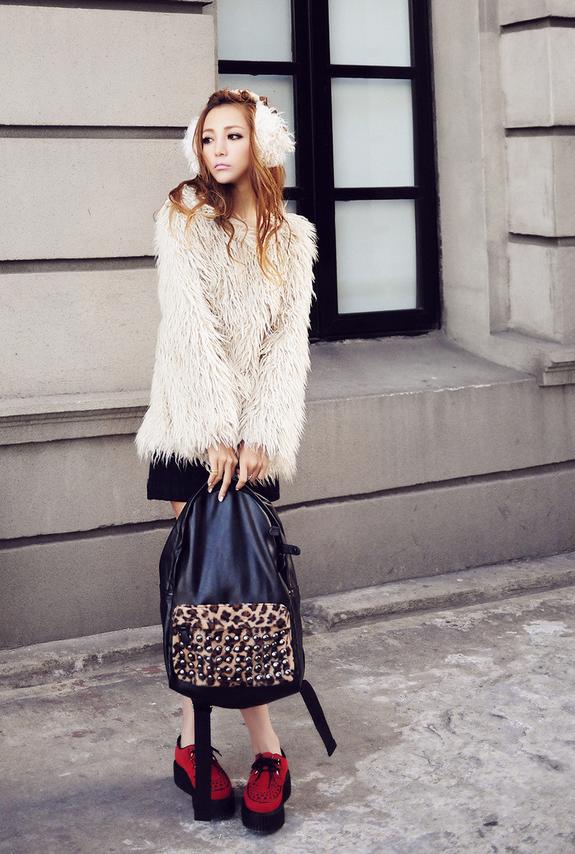 Полосатый рюкзак для женщин - 12