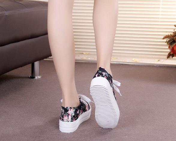 Стильные модные кроссовки для женщин - 7