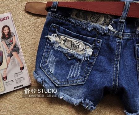 Модные джинсовые шорты для женщин  - 1