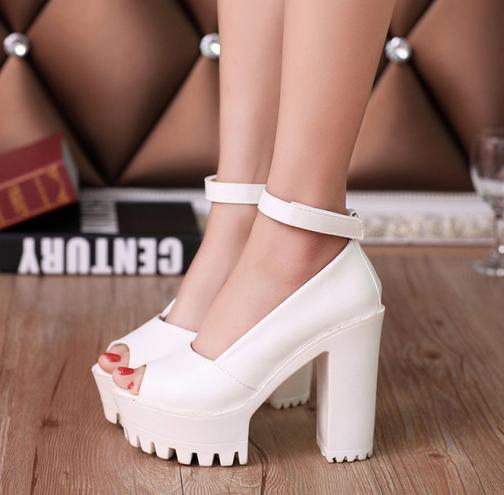 Новые стильные сексуальные туфли для женщин