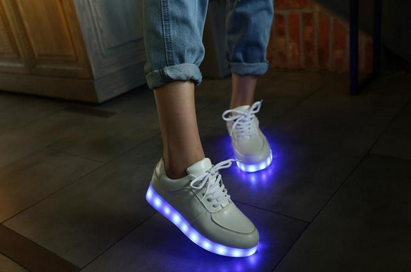Красочные светящиеся кроссовки для женщин
