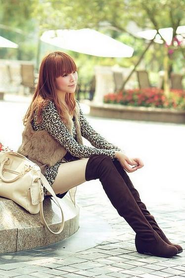 Новые модные сапоги для женщин