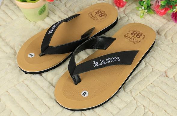 Модные пляжные сандалии для мужчин