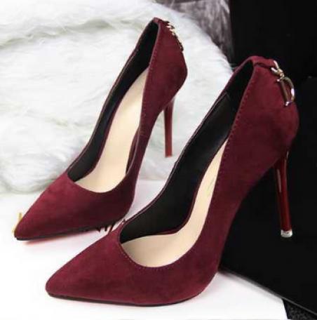Винтажные туфли с высоким каблуком и подошвой подошвой