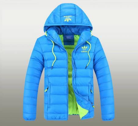 Зимняя куртка на открытом воздухе