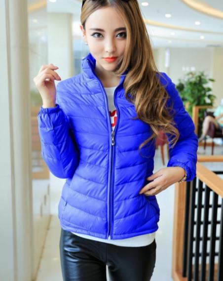 Короткая тонкая утолчённая куртка для женщин